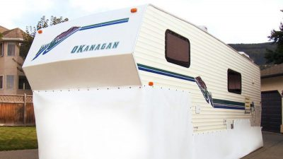 EZ Snap RV Skirting on Fifth Wheel